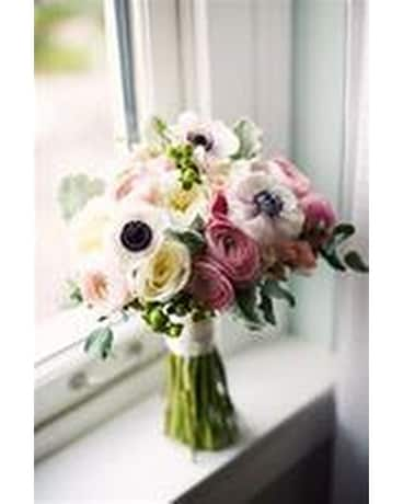 Anemone Bouquet Flower Arrangement