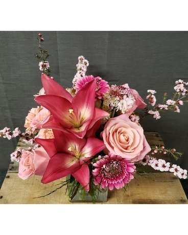 TCL's Shades of Pink Flower Arrangement