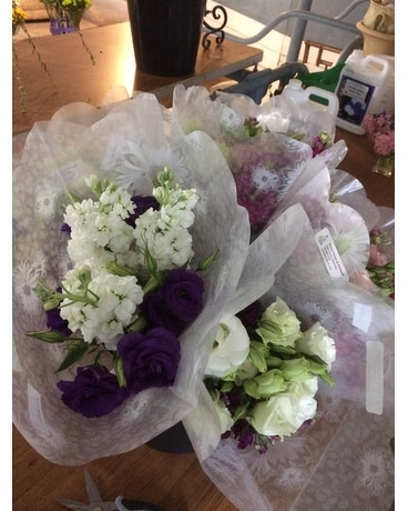 Grab & Go Flower Arrangement