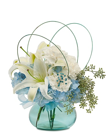 Kiss in the Breeze Flower Arrangement