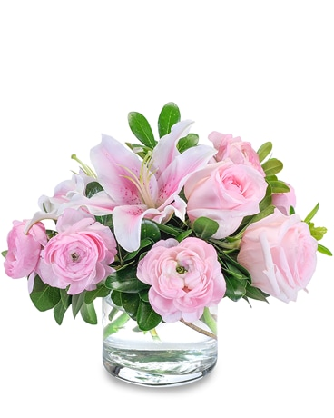 Sweet and Delicate Flower Arrangement