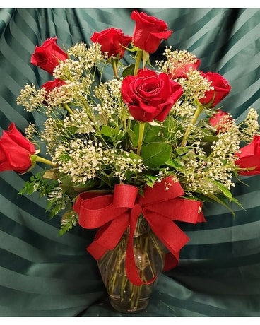 Woodland's Own Dozen Red Roses Flower Arrangement