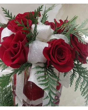 Red Rose Cube Package Flower Arrangement