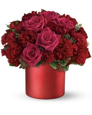 Teleflora's Say it in Scarlet Flower Arrangement
