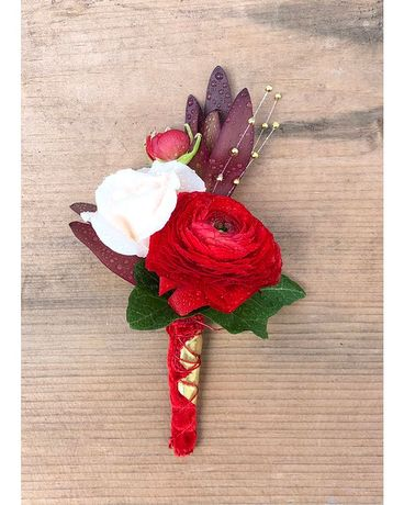 Island Dreams Boutonniere Boutonniere