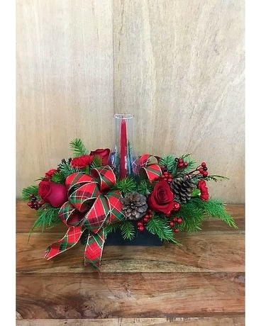 CHRISTMAS GLOW Flower Arrangement