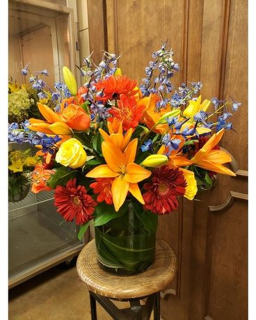 Serene Sunset Flower Arrangement