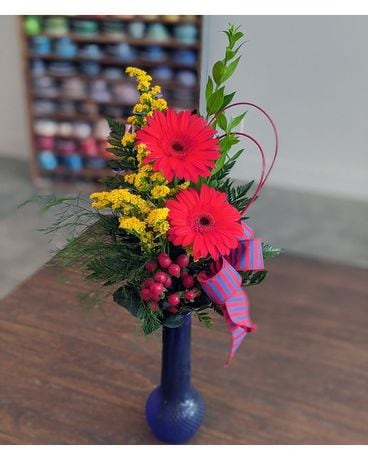 KU Gerbera Budvase Flower Arrangement