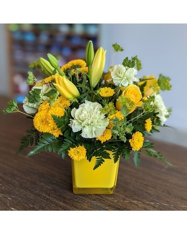 Sunny Mood Flower Arrangement