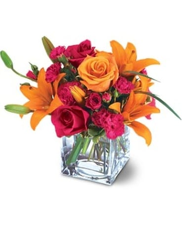 Teleflora's Uniquely Chic Bouquet Flower Arrangement