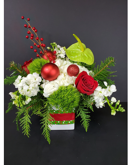 Holly Jolly Flower Arrangement
