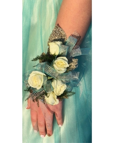 C-3 Sweetheart Rose Corsage Corsage