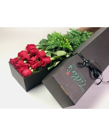 One Dozen Long Stem Red Roses in Box Flower Arrangement