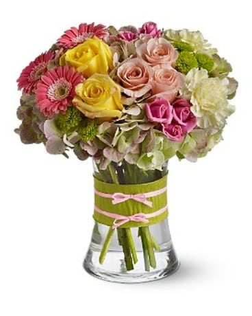 Fashionista Blooms - by Toni's Flowers & Gifts Flower Arrangement ...