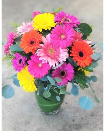 Parisian's Simply Gerbera Daisy Vase Flower Arrangement