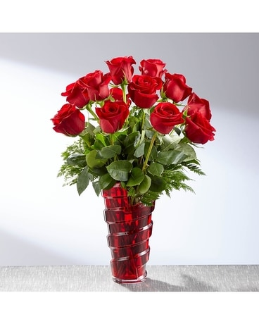 The FTD® In Love with Red Roses™ Bouquet VASE INCL Flower Arrangement