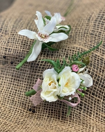 Boutonniere for Him Boutonniere