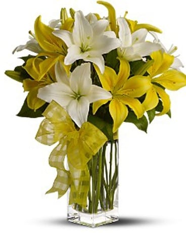 Teleflora's Pick-a-Lily Flower Arrangement