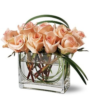 Teleflora's Peaches and Creme Bouquet Flower Arrangement