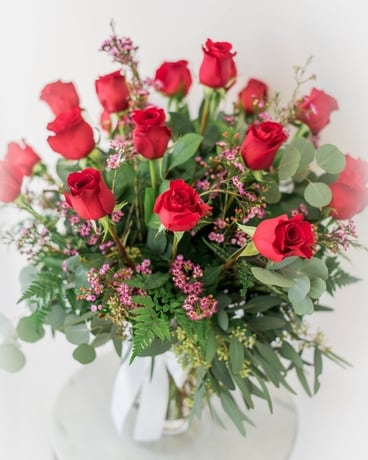 Ravishing Red 18 Roses Flower Arrangement