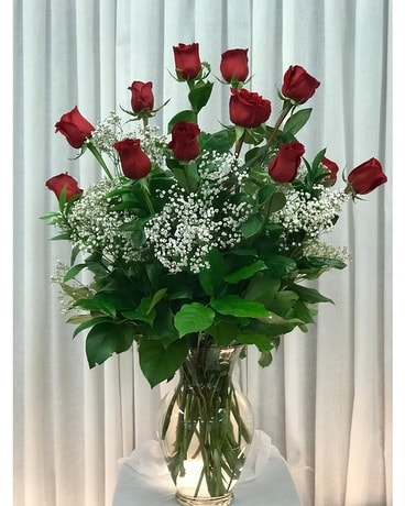 Classic Red Roses & babie's breath