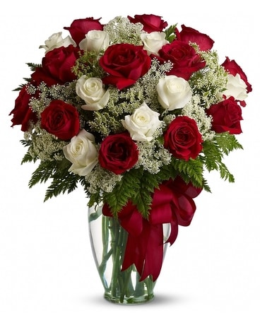 Love's Divine Bouquet - Long Stemmed Roses Flower Arrangement