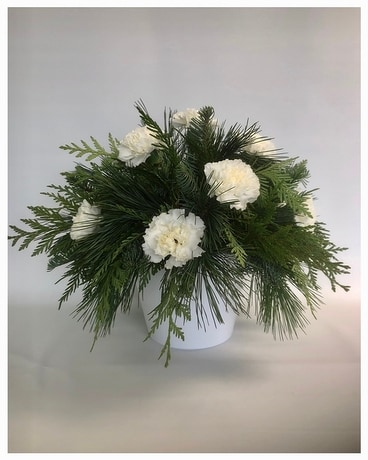 Christmas Classic - White Flower Arrangement