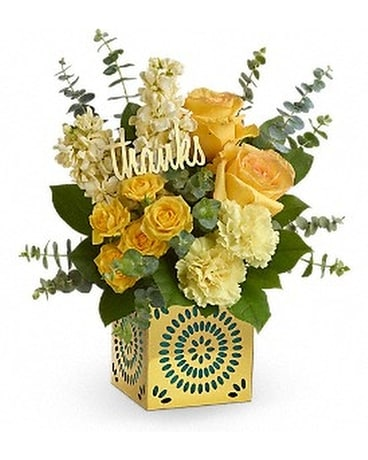 Teleflora's Shimmer Of Thanks Bouquet tbc03-3a. Flower Arrangement