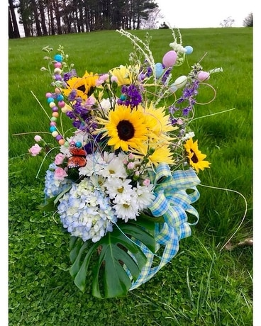 EASTER FRESH Flower Arrangement