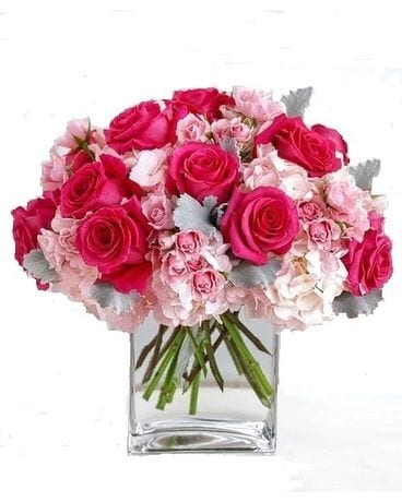 Pretty n' Pink Flower Arrangement