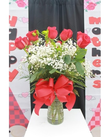 The Classic Mom Bouquet Flower Arrangement