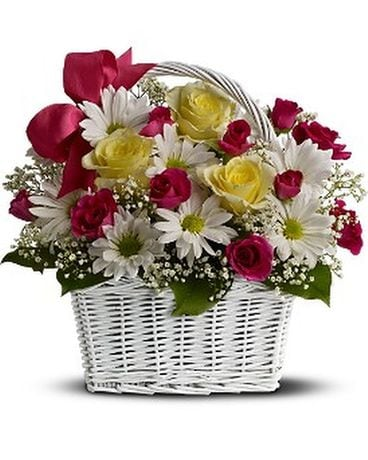Daisy Dreams Basket Flower Arrangement