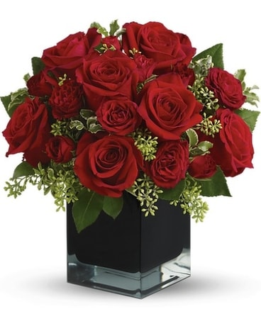 Teleflora's Ravishing Reds Flower Arrangement