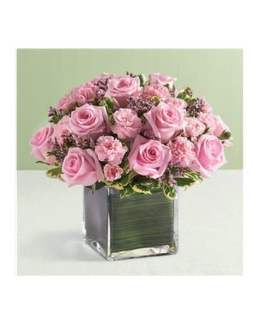 10 Pink Rose And Mini Carnation Cube