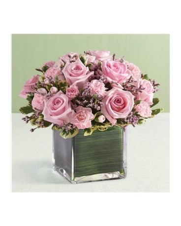 8 Pink Rose And Mini Carnations Cube