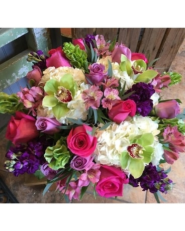 The Shoppe's - Lovey Lush Mix Flower Arrangement