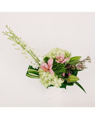 NoBe Decor Flower Arrangement