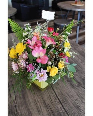 FRESH CUT Flower Arrangement