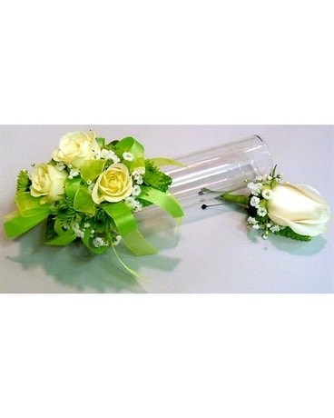 Prom Corsage Boutonniere In South Haven Mi The Rose Shop