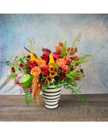 Stria Groove Gourd Flower Arrangement