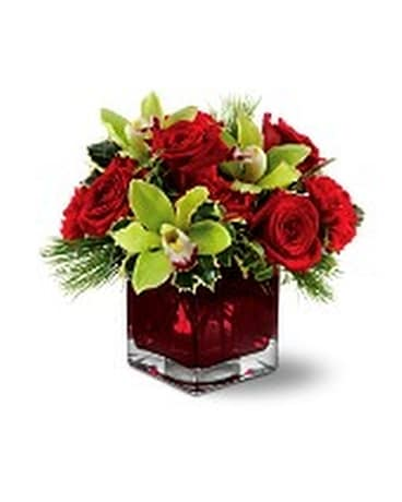 Teleflora's Rose Chic Flower Arrangement