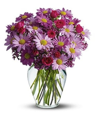 Delightfully Daisy Deluxe Flower Arrangement