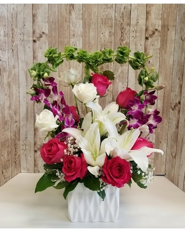 With all my heart Flower Arrangement