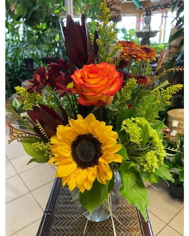 Sunflower and Roses Flower Arrangement