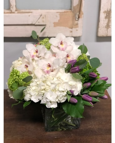 Fresh and Spring Flower Arrangement