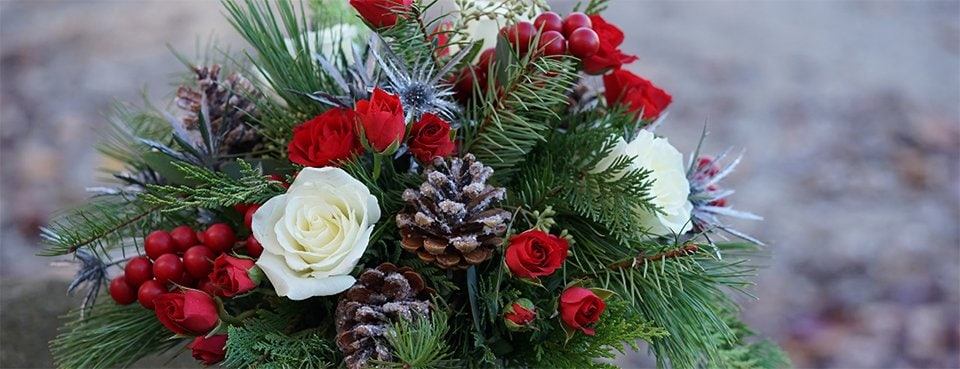 Amling's Christmas and Holiday Flowers Banner