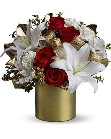 Teleflora's 24 Karat Bouquet Flower Arrangement