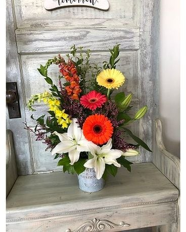 Cheerful Spring One-Sided Flower Arrangement