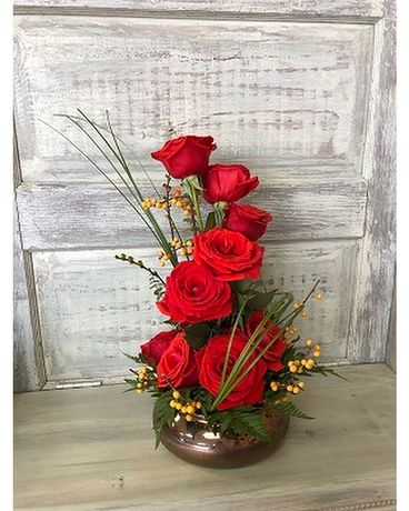 One Sided Red Roses Flower Arrangement