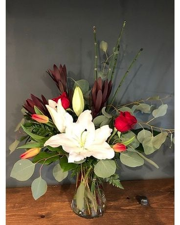 Leucadendron One Sided Flower Arrangement